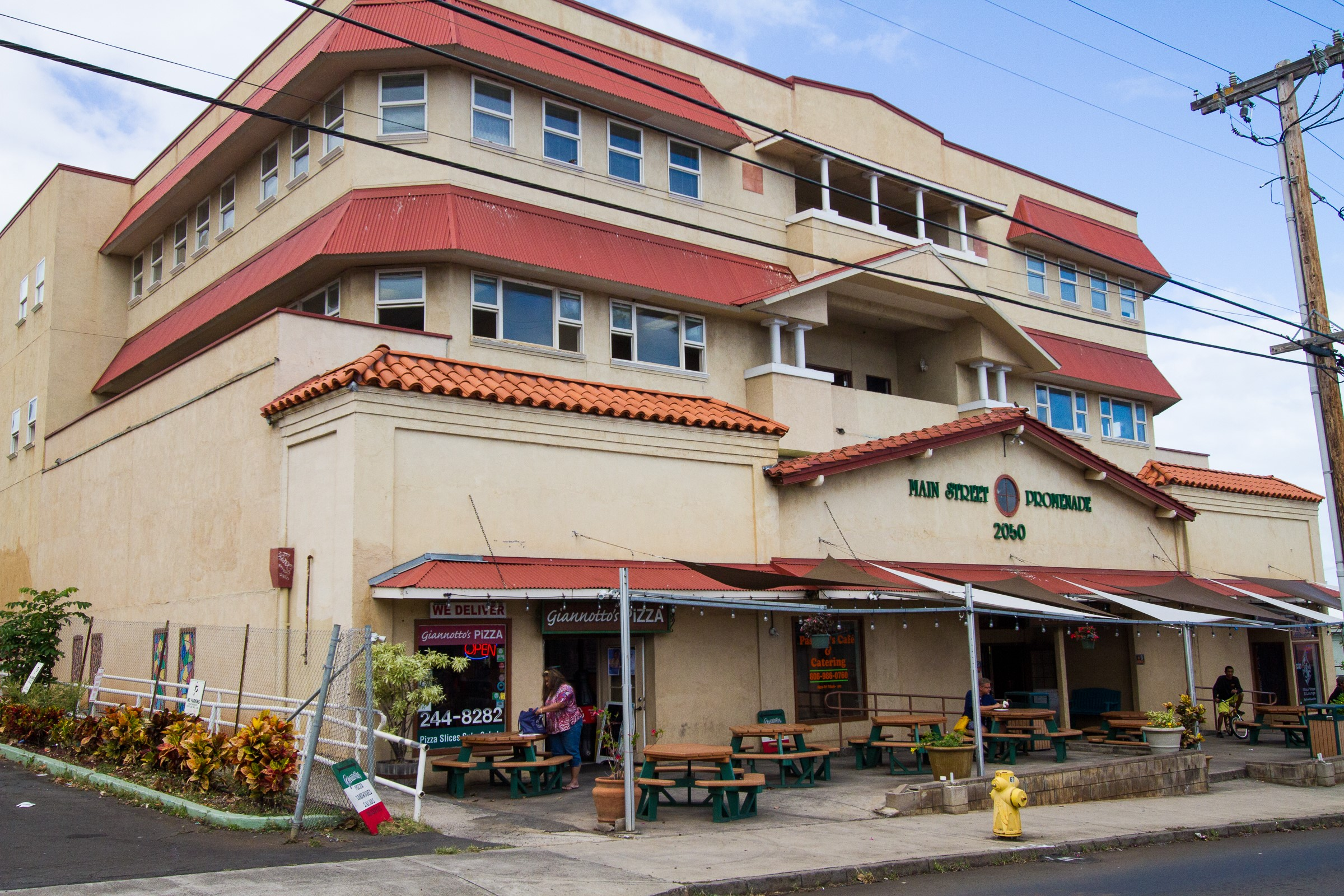 Kokua Realty Commercial Real Estate For Sale 2050 Main Street Wailuku Maui Hawaii Keoni Fursse Hawaii Investment Properties